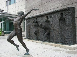 break-free-sculpture1